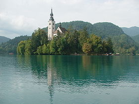 Fichier:280px-Bled island with church01.JPG